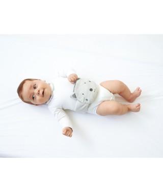 Bébé avec sa mini Bouillotte de Massage P'tit Loup